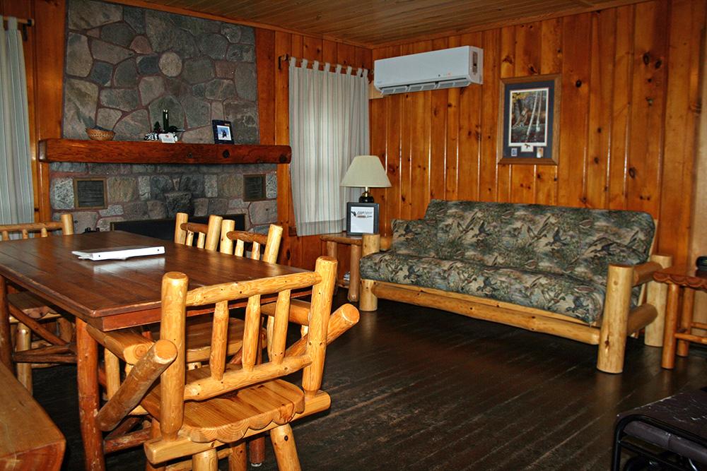 Cabin 9 Livingroom